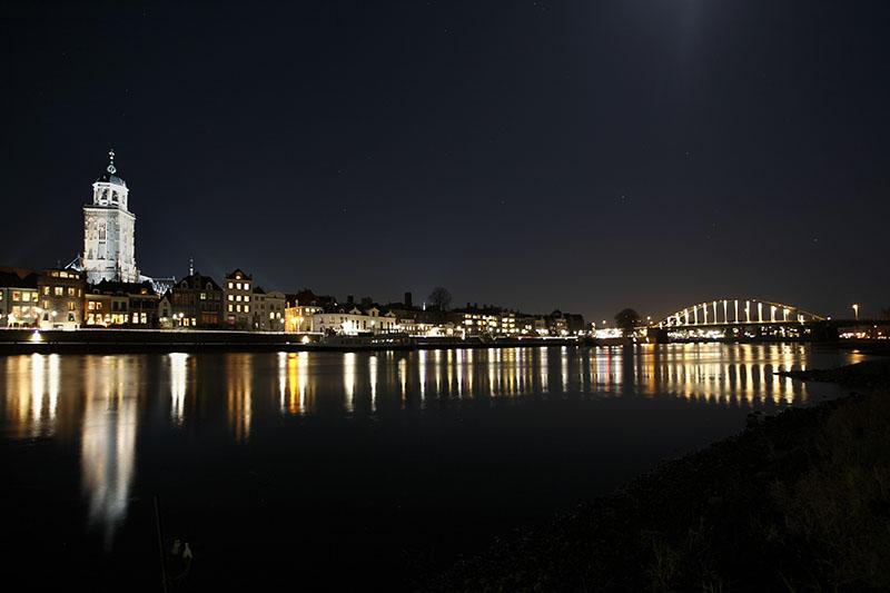 Marcel de Graaf fotografie Deventer skyline kleur nachtfoto