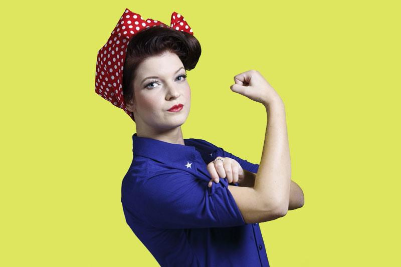 We can do it remake van poster dame met hoofddoek op gele achtergrond beeldbewerking en fotografie Marcel de Graaf