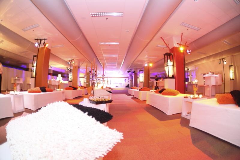 Foto aangeklede ruimte voor bedrijfsfeestje Marcel de Graaf fotografie Deventer